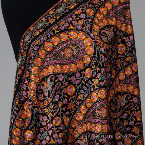 68654 10151192887877015 94143559 n Our Mona Lisa Jamawar Pashmina Shawl is a collector's dream.
