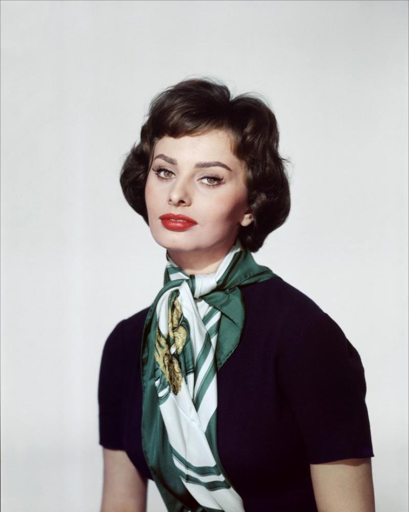 Sophia Loren scarf Kashmir Silk Scarves: Secrets of the Fashionistas