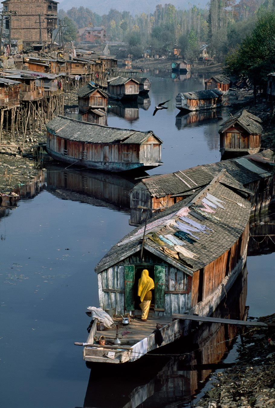 Living On A Lake : History & Tradition Archives – The Kashmir Company Blog