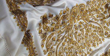 Artists Way Ivory Majestic Paisley Shawl